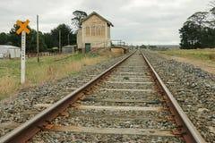 Den Trawalla järnvägsstationen 1874 på den Ararat linjen stängdes som en passagerarestation i 1981 Royaltyfri Fotografi