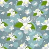 Den trevliga sömlösa modellen med citronen blommar på blå bakgrund Royaltyfria Bilder