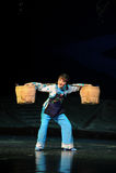 Den tunga påfyllningen av den kvinnaJiangxi operan en besman Arkivbild