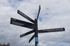 Den turist- indikeringen undertecknar in mitten av Köpenhamnen royaltyfri fotografi