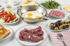 Den turkiska frukosten Royaltyfria Bilder