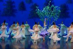 Den tvättade siden- dansen- agerar först: `en för prinsessa för ` för drama för mullbärsträdträdgård-epos dans den siden-, royaltyfri fotografi