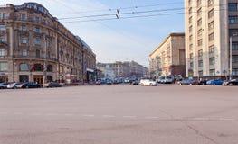 Den Tverskaya gatan från Manege kvadrerar i Moscow Arkivbilder