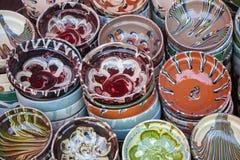 Den typiska disken av Rumänien gjorde i keramik royaltyfria foton