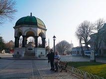 Den tyska springbrunnen av kapplöpningsbanan i Istanbul, Turkiet-mars 30, royaltyfria bilder