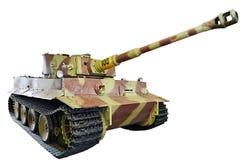 Den tyska tunga behållarePzKpfw VI Ausf E tigern isolerade jag vit Arkivfoton