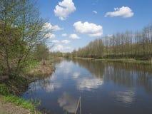 Den tysta floden royaltyfri fotografi