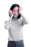 Den unga asiatiska affärskvinnan fick sjuk och huvudvärken royaltyfria foton