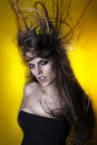 Den unga brasilianen danar modellerar Royaltyfri Fotografi