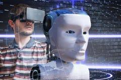 Den unga forskaren kontrollerar det robotic huvudet den konstgjorda hjärnan circuits mainboard för elektronisk intelligens för be royaltyfri foto