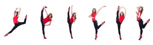 Den unga gymnasten som övar på vit Royaltyfri Bild