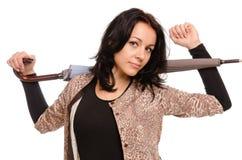 Den unga kvinnan som är förberedd för, regnar Arkivbild