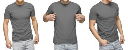 Den unga manliga den blankogrå färgt-skjortan, framdelen och baksida beskådar, isolerad vit bakgrund Planlägg den mantshirtmallen royaltyfria bilder