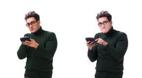 Den unga mannen för nerd med räknemaskinen som isoleras på vit arkivbild