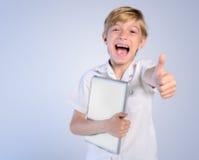 Den unga pojken instämmer Royaltyfria Bilder
