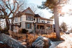Den unika arkitekturen av hus för champinjon för greveYoung ` s i Charlevoix Michigan Arkivfoto
