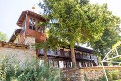 Den unika arkitekturen av kloster av St Nicholas fotografering för bildbyråer