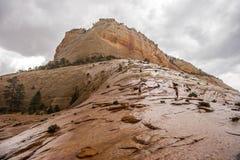 Den UT-Zion medborgaren parkerar-Zion kanjonen Arkivfoto