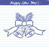 Den utdragna klockaillustrationen för det nya året - skissa på skolaanteckningsboken Royaltyfria Bilder