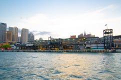 Den utländska passagerarterminalen VÄLJER, bekant officiellt som Sydney Cove Passenger Terminal, är ett offentligt kryssningskepp Royaltyfri Foto