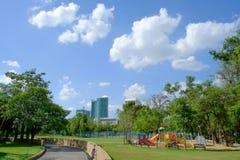 Den utomhus- lekplatsen på offentligt parkerar Royaltyfri Foto