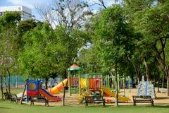 Den utomhus- lekplatsen på offentligt parkerar Royaltyfri Fotografi