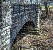Den utsmyckade bron i Park lokaliserade i Milwaukee Fotografering för Bildbyråer