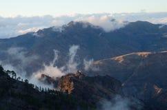 Den väsentliga naturliga reserven av Inagua och naturliga Tamadaba parkerar i bakgrunden Royaltyfria Foton