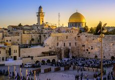 Den västra vägg- och Golden Dome moskén, Jerusalem, Israel Royaltyfria Bilder