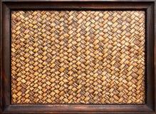 Den vävde bambun inramar Arkivbilder