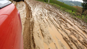 Den våta vägen smutsar ner Arkivfoton