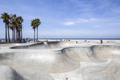 Den Venedig strandskridskon parkerar i Los Angeles Arkivfoto