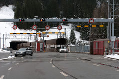 Den Vereina tunnelen, Schweiz Royaltyfria Foton