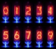 Den verkliga Nixie rörindikatorn en uppsättning av decimal- siffror Arkivfoton
