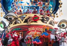 Den Viareggio öppningen ståtar av den 145. upplagan av karnevalet i Viareggio, Italien Royaltyfria Foton