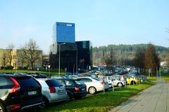 Den Vilnius staden Danske Bank på hösten tajmar på November 11, 2014 Royaltyfri Fotografi