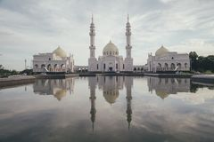 Den vita moskén Royaltyfri Bild
