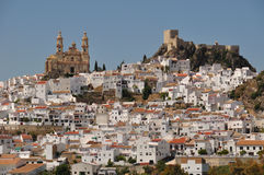 Den vita staden av Olvera, Andalusia, Spanien Royaltyfria Bilder
