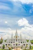 Den vita templet, watasokaram Thailand Royaltyfria Bilder