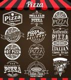 Den vita vektorsamlingen av pizzaetiketter och emblem i tappning utformar vektor illustrationer
