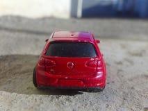 Den Volkswagen Golf Mk5 2016 modellen royaltyfri bild