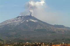 Den vulkaniska askaen putsar Royaltyfria Foton