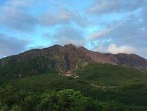den vulkaniska Japan sakura sakurashimamonteringen kunde Arkivfoto