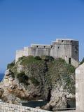 Den Walled staden av Dubrovnic i Kroatien Europa är det en av de mest ljuva turist- semesterorterna av det medelhavs- Dubrovnik ä Royaltyfria Bilder
