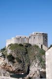 Den Walled staden av Dubrovnic i Kroatien Europa Dubrovnik ge någon ett smeknamn `-pärlan av Adriatiska havet Royaltyfri Bild