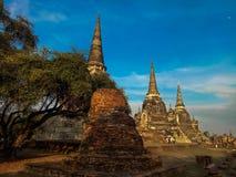 Den Wat Phra Si Sanphet templet i historiska Ayutthaya parkerar, en UNESCOvärldsarv, Thailand royaltyfri bild