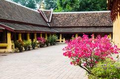 Den Wat Si Saket templet är en forntida buddistisk tempel i Vientiane Royaltyfri Fotografi