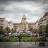 Den Wenceslas fyrkanten i Prague royaltyfria foton