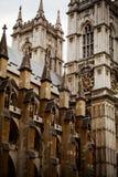 Den Westminster abbotskloster som betitlas formellt den college- kyrkan av St Peter på Westminster, är en stor, främst gotisk abb Royaltyfri Fotografi