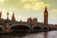 Den Westminster bron och Big Ben i London, Förenade kungariket Royaltyfria Foton